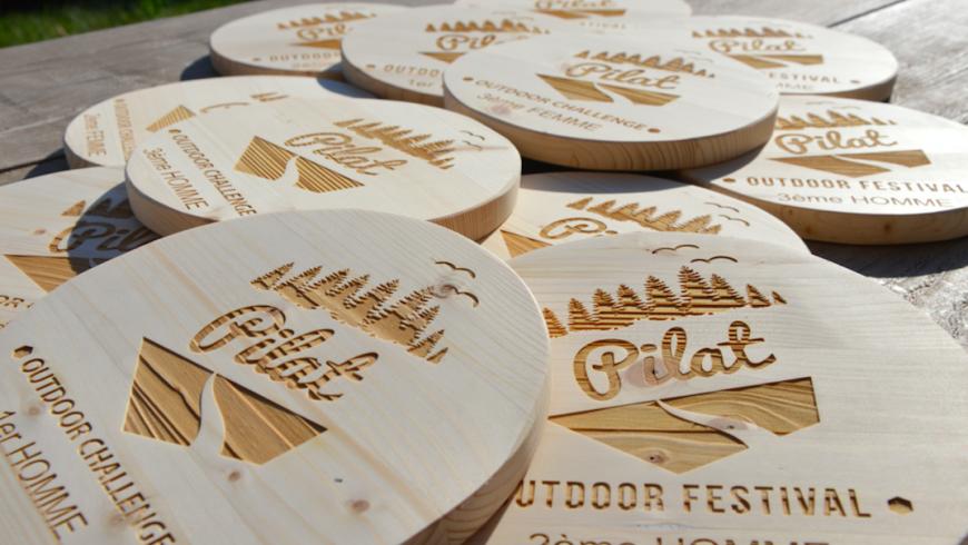 trophée en bois personnalisé
